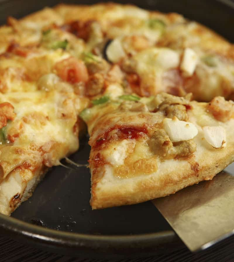 Er du træt af færdiglavet pizza? Så prøv en måltidskasse, og lav maden selv på rekordtid.