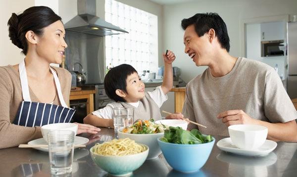 I denne artikel vil vi komme ind på, hvorfor det er sundt at spise mindre kød, hvis ikke 100% plantebaseret.